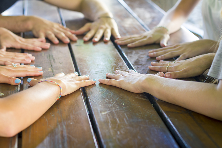 hands on Table